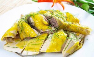 Steamed chicken with lemon leaves